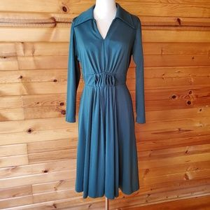 1970s Lady Carol Hunter Green, Polyester Dress